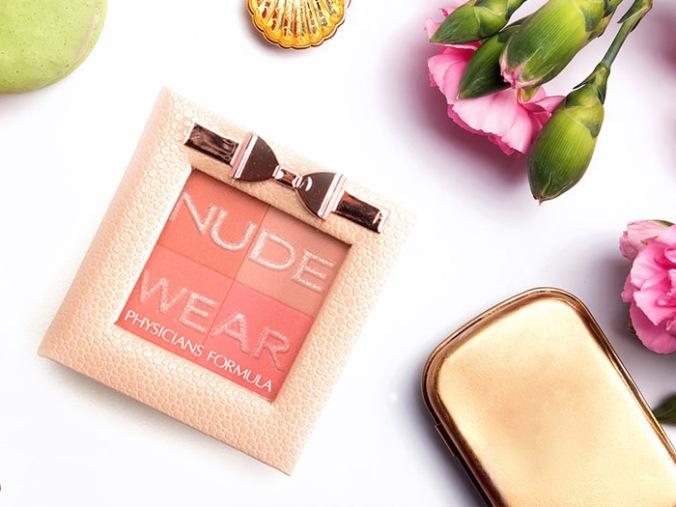 nude-flash